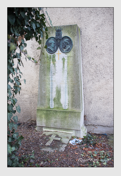 Grab der Familie Merz auf dem Alten Südfriedhof München (Dezember 2012)