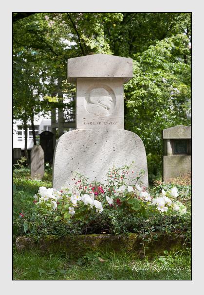 Grab der Familie Spitzweg auf dem Alten Südfriedhof München (Juli 2007)