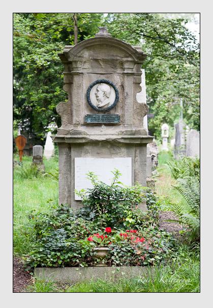 Grab der Familien Hess & Kurz auf dem Alten Südfriedhof München (August 2007)