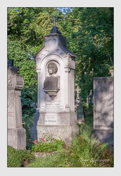 Grab der Familie Holland auf dem Alten Südfriedhof München (August 2007)