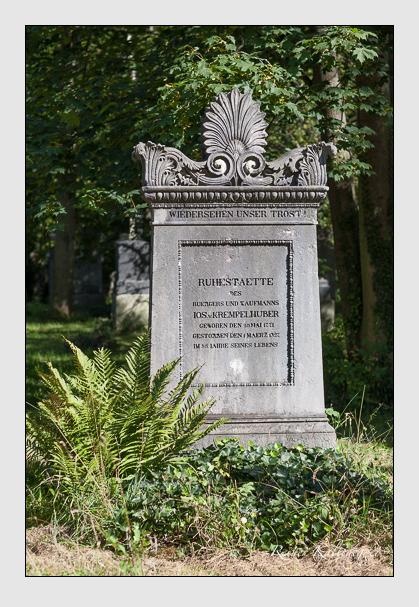 Grab der Familie Krempelhuber auf dem Alten Südfriedhof München (August 2007)