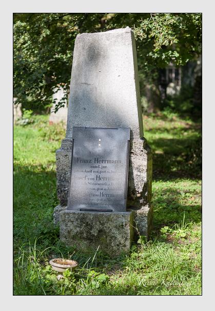 Grab der Familie Herrmann auf dem Alten Südfriedhof München (August 2007)