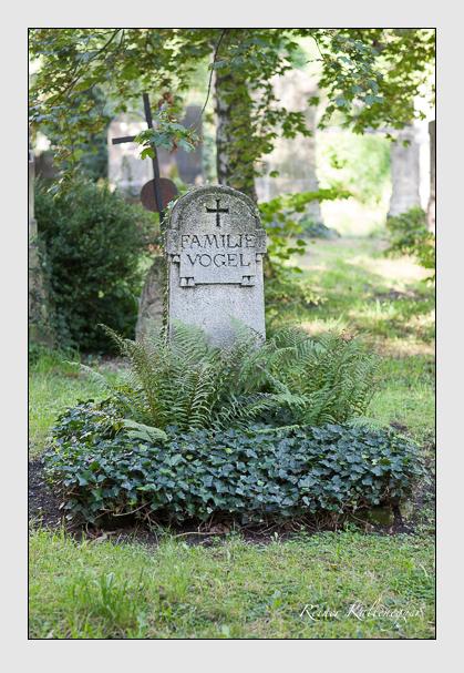 Grab der Familie Vogel auf dem Alten Südfriedhof München (August 2007)