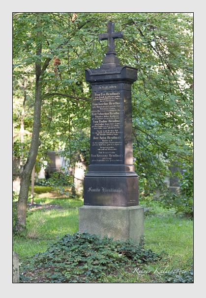 Grab der Familie Hiendlmayr auf dem Alten Südfriedhof München (August 2007)