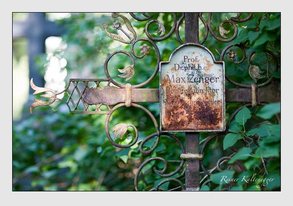 Grab der Familie Zenger auf dem Alten Südfriedhof München (August 2007)