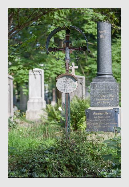 Grab der Familie Kunstmann auf dem Alten Südfriedhof München (August 2007)