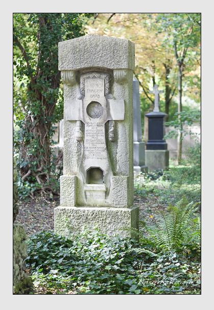 Grab der Familien Schönchen & Steidel auf dem Alten Südfriedhof München (Oktober 2007)