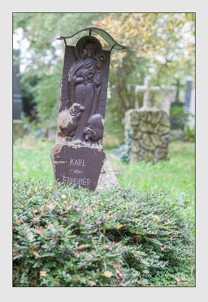 Grab der Familie Enhuber auf dem Alten Südfriedhof München (Oktober 2007)