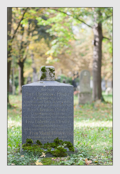 Grab der Familie Pfeufer auf dem Alten Südfriedhof München (Oktober 2007)