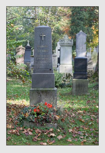 Grab der Familien Braun & Stengel auf dem Alten Südfriedhof München (Oktober 2007)