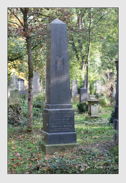 Grab der Familien Brand & Heckel auf dem Alten Südfriedhof München (Oktober 2007)