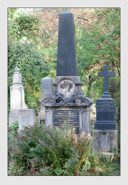 Grab der Familie Jodlbauer auf dem Alten Südfriedhof München (Oktober 2007)