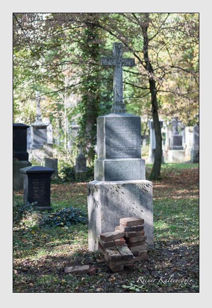 Grab der Familien Fernbach & Mundschedl & Steurer auf dem Alten Südfriedhof München (Oktober 2007)