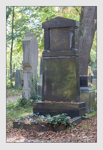 Grab der Familien Hofmann & Will & Zellner auf dem Alten Südfriedhof München (Oktober 2007)