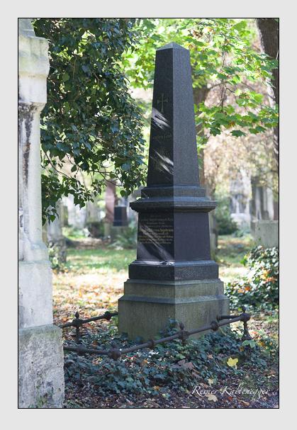 Grab der Familie Angstwurm auf dem Alten Südfriedhof München (Oktober 2007)