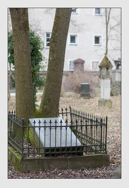Grab der Familie Hofmann auf dem Alten Südfriedhof München (Februar 2008)