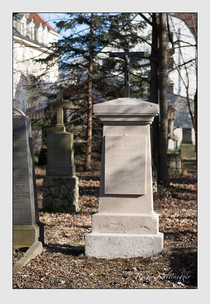 Grab der Familien Eisenhart · Oebbeke auf dem Alten Südfriedhof München (Februar 2008)