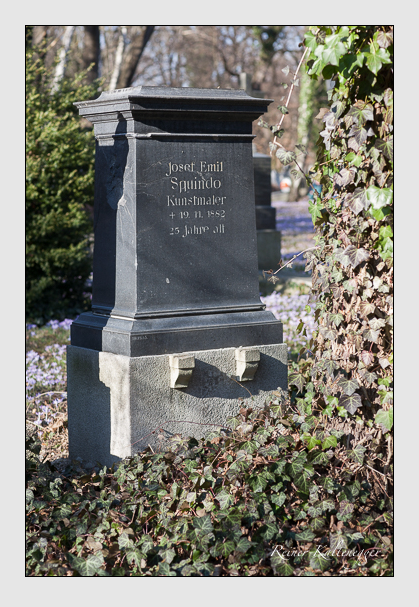 Grab der Familien Heis & Squindo auf dem Alten Südfriedhof München (Februar 2008)