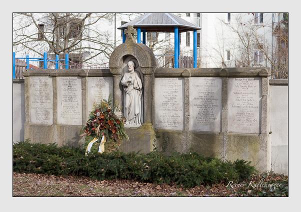 Grab der Bruderschaft St. Peter auf dem Alten Südfriedhof München (Februar 2008)
