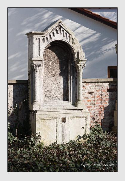 Grab der Familie Langlois auf dem Alten Südfriedhof München (März 2008)