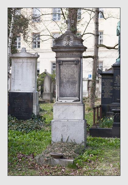 Grab der Familie Lacher auf dem Alten Südfriedhof München (März 2008)