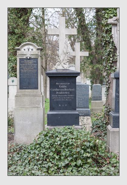 Grab der Familien Dorner & Drechsel-Deuffstetten auf dem Alten Südfriedhof München (März 2008)