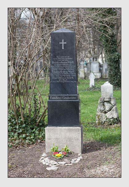 Grab der Familie Würfl auf dem Alten Südfriedhof München (März 2008)
