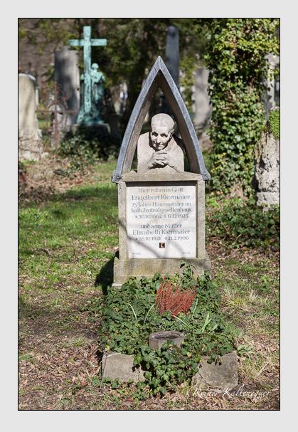 Grab der Familie Kiermaier auf dem Alten Südfriedhof München (März 2008)