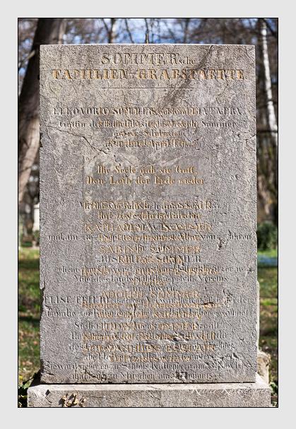 Grab der Familien Esslair & Gumppenberg & Sommer auf dem Alten Südfriedhof München (März 2008)