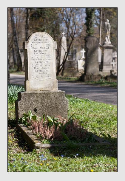 Grab der Familie Krönauer auf dem Alten Südfriedhof München (März 2008)