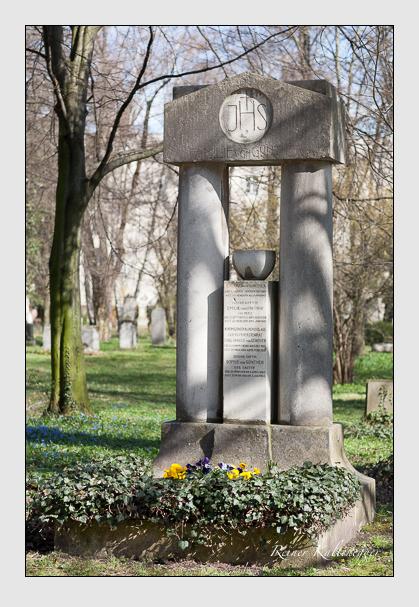 Grab der Familien Günther & Wunschwitz auf dem Alten Südfriedhof München (März 2008)