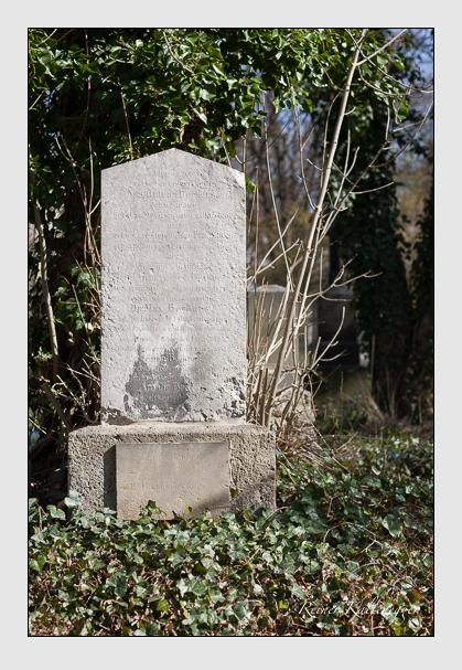 Grab der Familie Beckers auf dem Alten Südfriedhof München (März 2008)