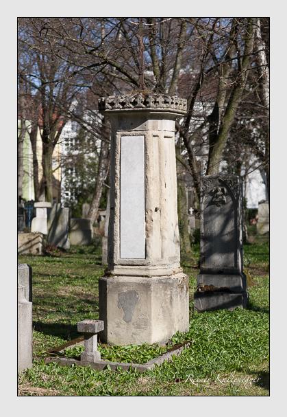 Grab der Familien Meisinger & Sturm auf dem Alten Südfriedhof München (März 2008)