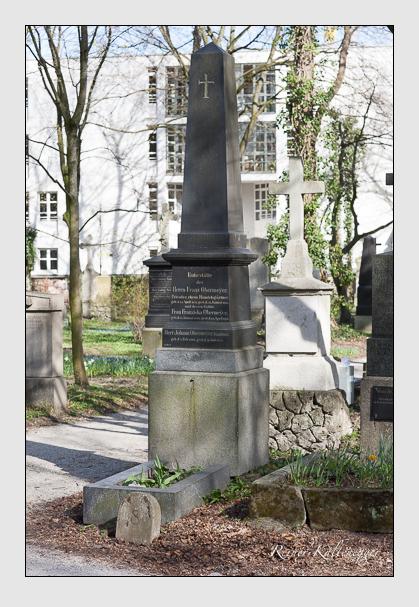 Grab der Familie Obermeyer auf dem Alten Südfriedhof München (März 2008)