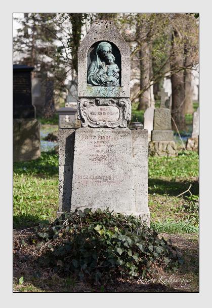 Grab der Familie Maiholzer auf dem Alten Südfriedhof München (März 2008)