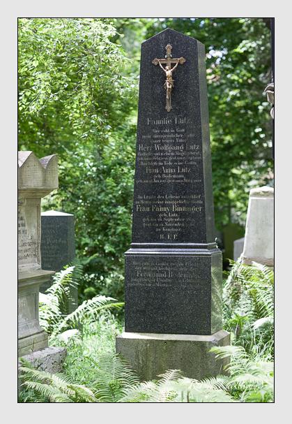 Grab der Familien Binninger · Bodemann · Lutz auf dem Alten Südfriedhof München (Juli 2008)