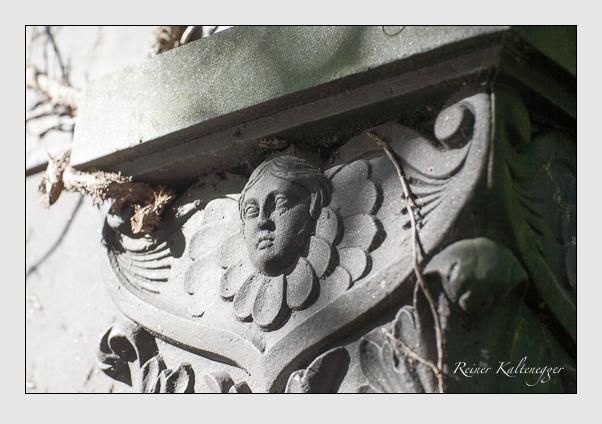 Grab der Familien Godin · Schleich auf dem Alten Südfriedhof München (August 2008)