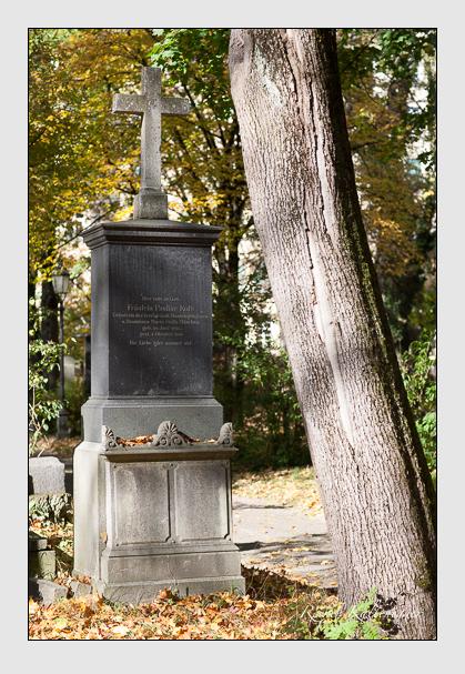 Grab der Familie Kolb auf dem Alten Südfriedhof München (Oktober 2008)