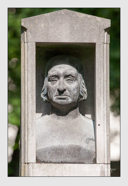 Grab der Familie Gruithuisen auf dem Alten Südfriedhof München (Juni 2009)