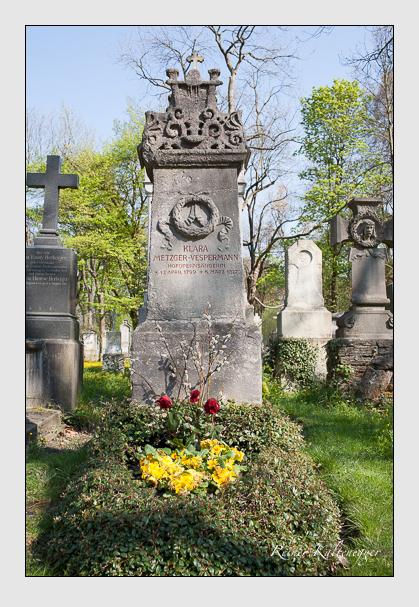 Grab der Familie Vespermann auf dem Alten Südfriedhof München (April 2011)