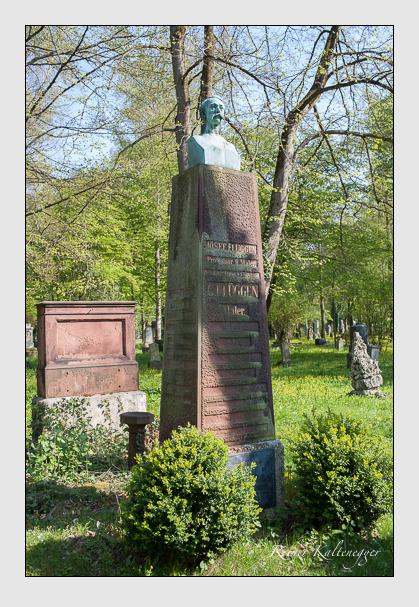 Grab der Familien Flüggen & Sonntag auf dem Alten Südfriedhof München (April 2014)