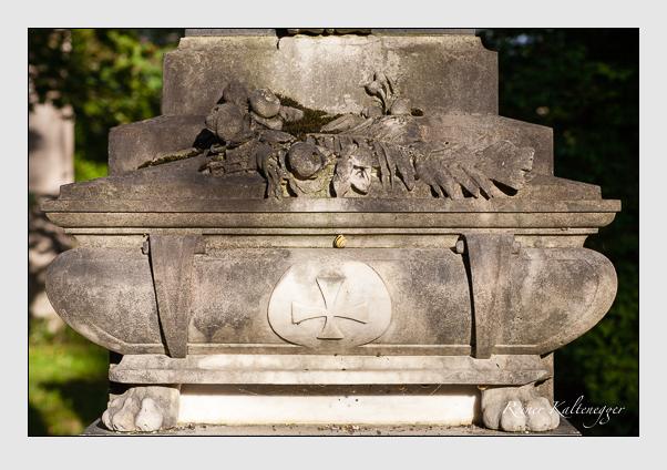 Grab der Familien Pfaller · Pfeifer · Schneider auf dem Alten Südfriedhof München (August 2001)