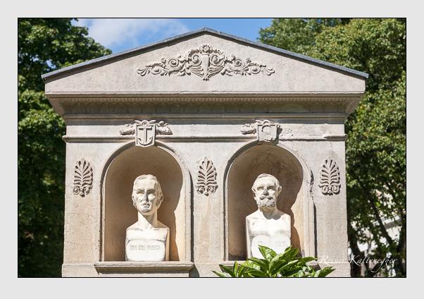 Grab der Familien Gietl · Pasch auf dem Alten Südfriedhof München (August 2011)