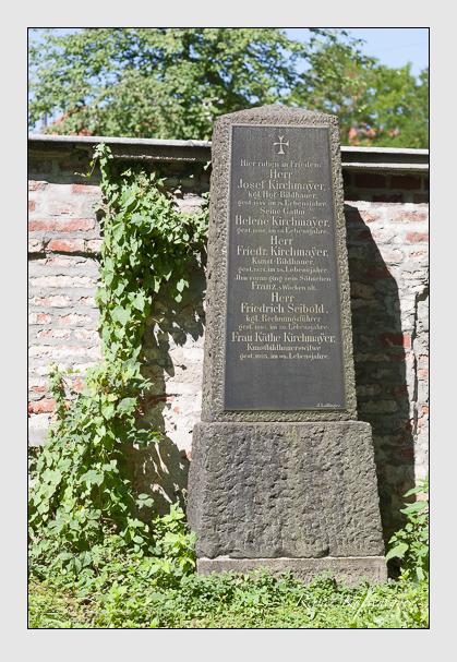 Grab der Familien Kirchmayer & Seibold auf dem Alten Südfriedhof München (September 2011)
