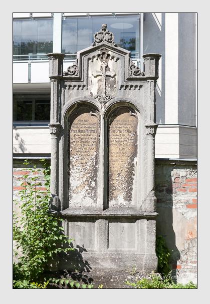 Grab der Familien Hayler · Schlecht auf dem Alten Südfriedhof München (August 2012)