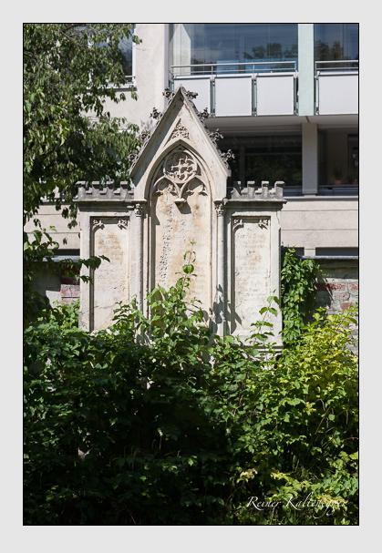 Grab der Familien Horner & Schuster & Selby & Vonderthann auf dem Alten Südfriedhof München (August 2011)