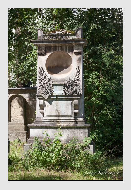 Grab der Familie Rüthling auf dem Alten Südfriedhof München (August 2011)