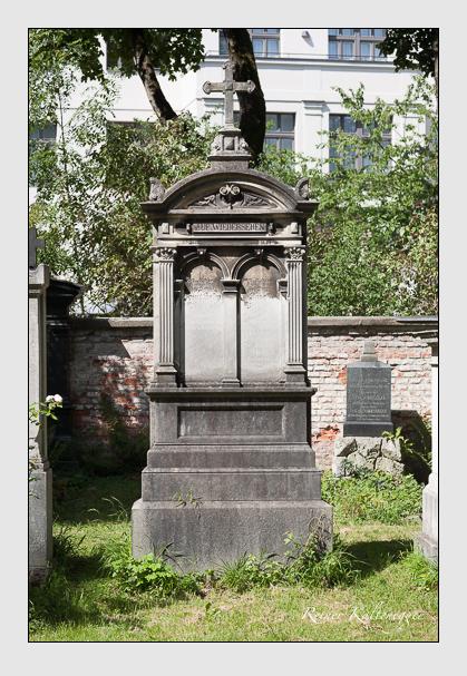 Grab der Familien Maurus & Steidl auf dem Alten Südfriedhof München (August 2011)
