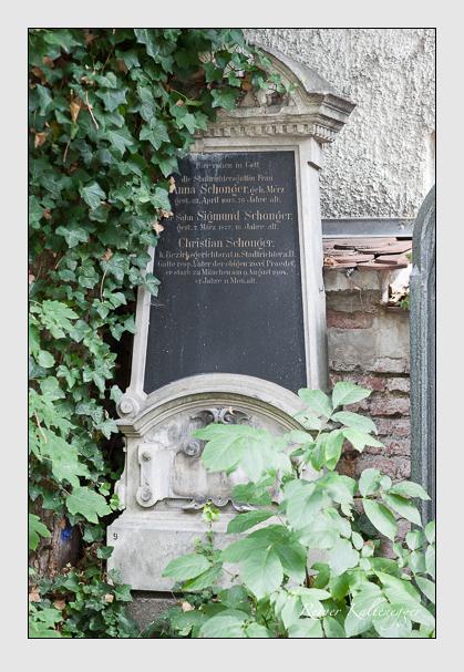 Grab der Familie Schonger auf dem Alten Südfriedhof München (September 2011)