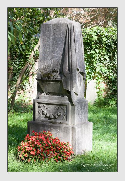 Grab der Familie Tretter auf dem Alten Südfriedhof München (September 2011)